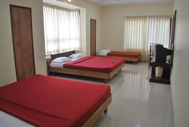 Hotel Kuber Inn Shirdi Nagar Manmad Road Shirdi Maharashtra